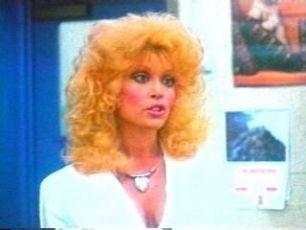 Doktorka odjinud (1989)