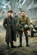 Nepřítel před branami (2000)
