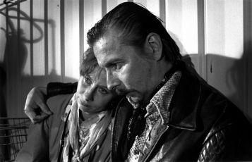 Drž si šátek, Tatjano (1993)