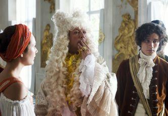 Císařovy nové šaty (2010) [TV film]