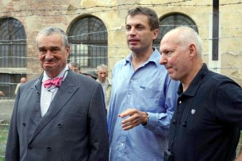 Karel Schwrazenberg,  Adam Dvořák a  Petr Nikolaev při první klapce