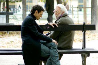 Bez hranic (2013) [TV seriál]