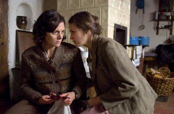 Kráska a netvor 1950 (2010)