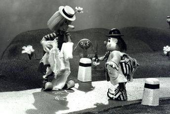 Dvaja a pes (1985) [TV seriál]