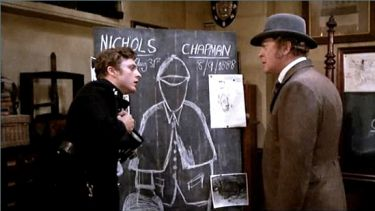Michael Caine vpravo