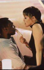 Pěkná mrcha (2000)