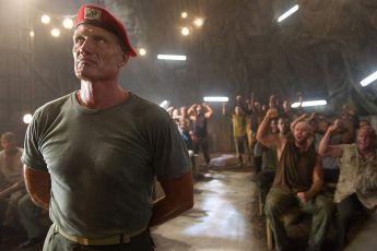Univerzální voják 4: Odplata (2012)