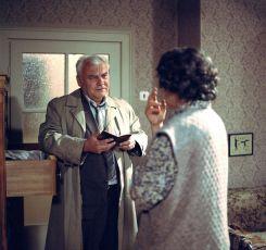 Sedm bílých plášťů (1989) [TV inscenace]