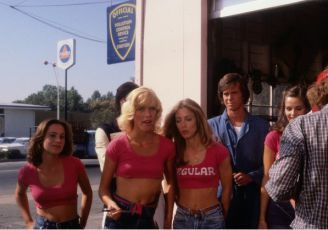 Holky z pumpy (1979)