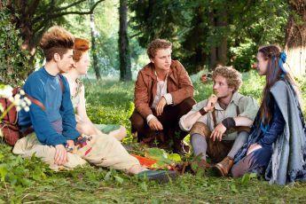Šestka táhne světem (2014) [TV film]