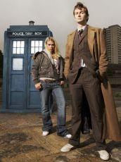 Billie Piper jako Rose a David Tennant jako desátý Doktor