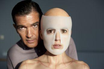 Kůže, kterou nosím (2011)