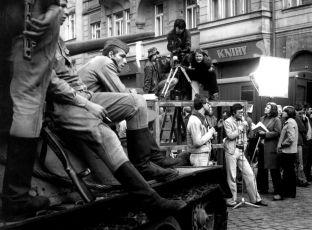 Svítalo celou noc (1980)