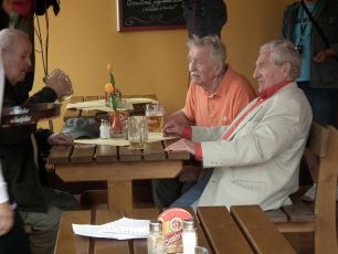 scéna z natáčení - 9.8.2011 Milan Riehs, Oldřich Velen a  Antonín Hardt