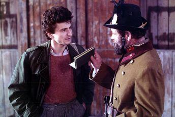 Chodník cez Dunaj (1989)