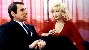 Žena v šarlatovém (1969)