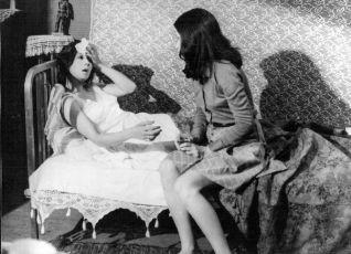 Pohlednice s vlčími máky (1975)