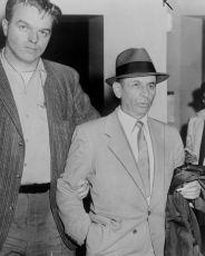 Meyer Lansky odchádza voľný zo súdu