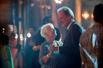 Druhý báječný hotel Marigold (2015)