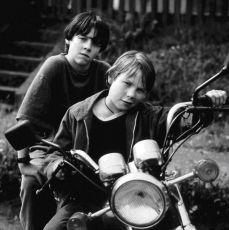 Malí kriminálníci (1995) [TV film]