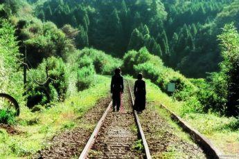 Loutky (2002)