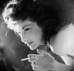 V zrcadle Mayi Deren (2001)
