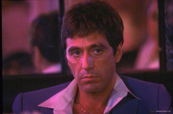 Zjizvená tvář (1983)