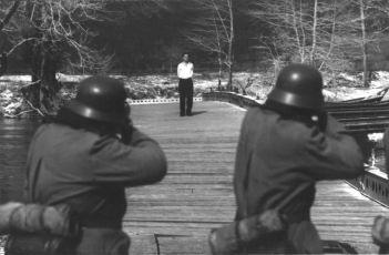 Človek na moste (1972)