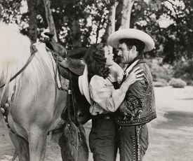 Beauty and the Bandit (1946)
