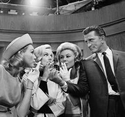 Z lásky nebo za peníze (1963)
