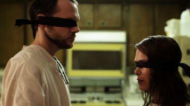 Dívka z budoucnosti (2011)