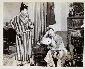 Když je žena pryč (1932)