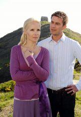 Láska navzdory celému světu (2009) [TV film]
