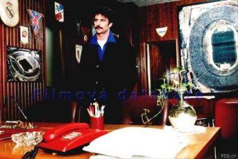 Přebytečný člověk (2001)