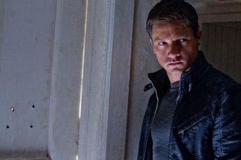 Bourneův odkaz (2012)