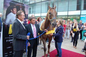 5.9.2012 premiéra filmu Váňa -  Karel Gott, Josef Váňa (2) a Decent Fellow