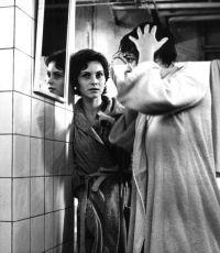 V každém pokoji žena (1974)