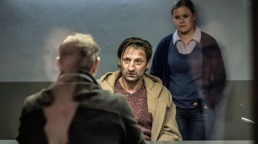 Vraždy na severu: Smrt pod palmami (2013) [TV epizoda]