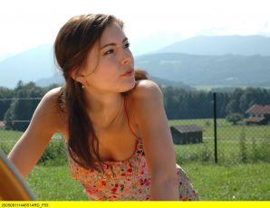 Sladká Laura (2005) [TV seriál]
