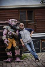 """""""Zeba"""", jednoho z hlavních hrdinů seriálu s jeho českým hlasem, Danielem Rousem"""