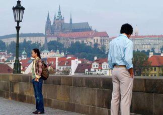 Milenci v Praze (2005) [TV seriál]