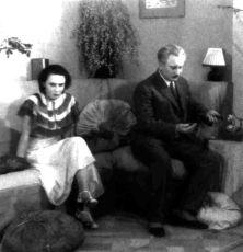 Růžové kombiné (1932)