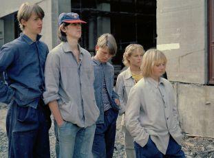 Třetí patro (1985) [TV seriál]