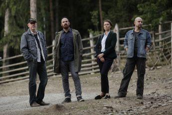 Pět mrtvých psů (2015) [TV minisérie]