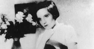 Zasněné rty (1932)