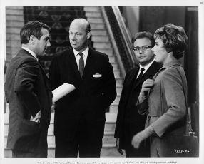 Roztržená opona (1966)
