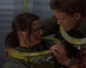 Nebezpečná hloubka (2000)