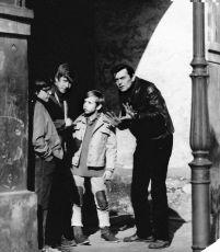 Petr pátrá s námi (1973) [TV film]