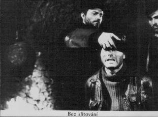 Bez slitování (1976)