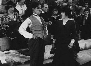 Chaplin na automobilových závodech (1914)
